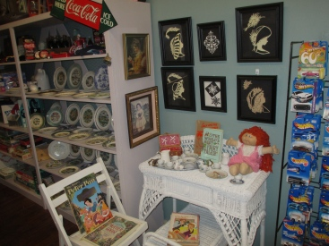 papas attic displays 020-2