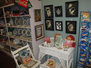 papas attic displays 020-2